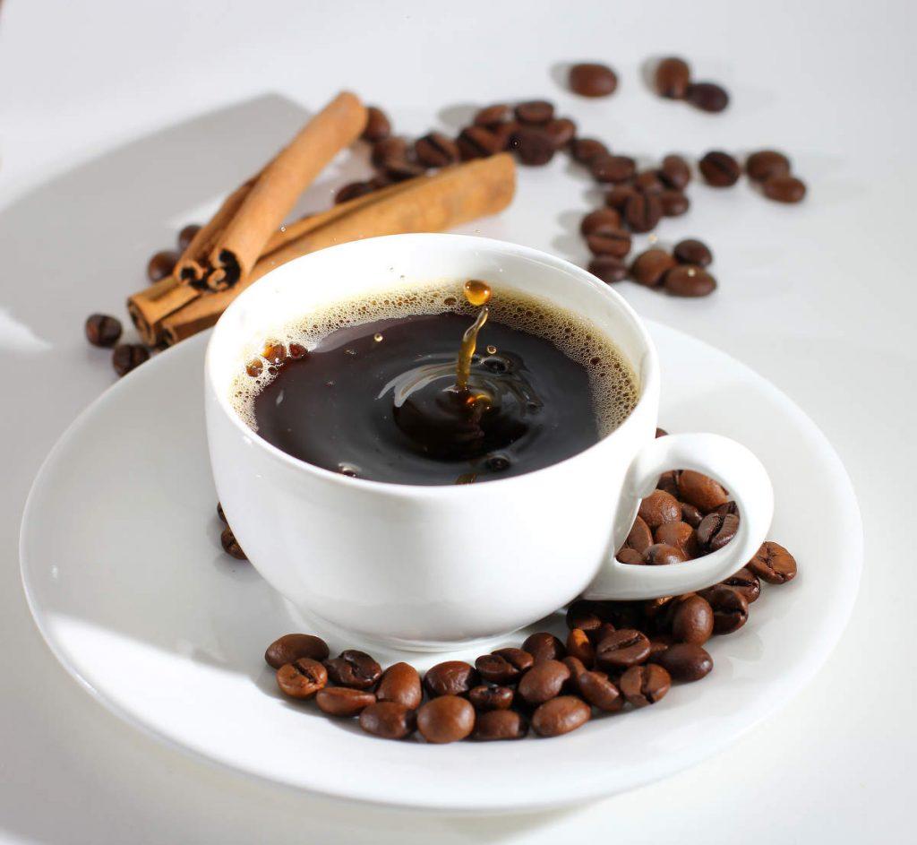 el cafe de baluarte de pamplona